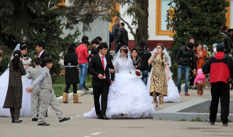 Больше четырех не собираться. В Худжанде новые правила на проведение свадеб