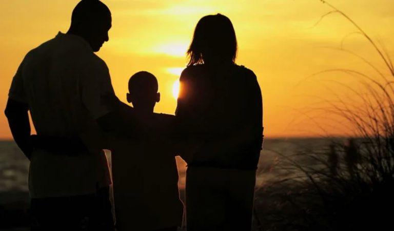 «Подарок» из детства. Какие психологические травмы ребенок уносит во взрослую жизнь