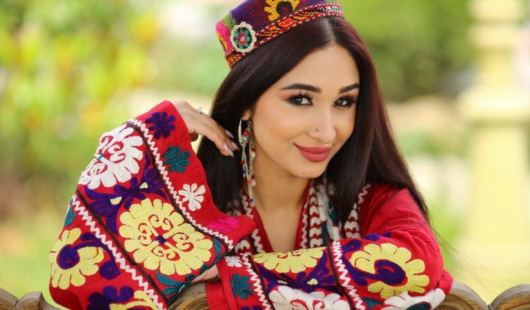 День таджикских красавиц. Кто из них родился 14 октября