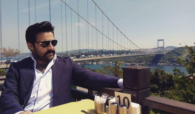 Мӯйлаби сеҳрнок: Чӣ тавр ҷавони тоҷик қаҳрамони филмҳои туркӣ шуд