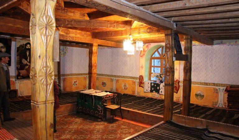 Ваханский дом: и жилье, и храм. Как строят дома на Памире?