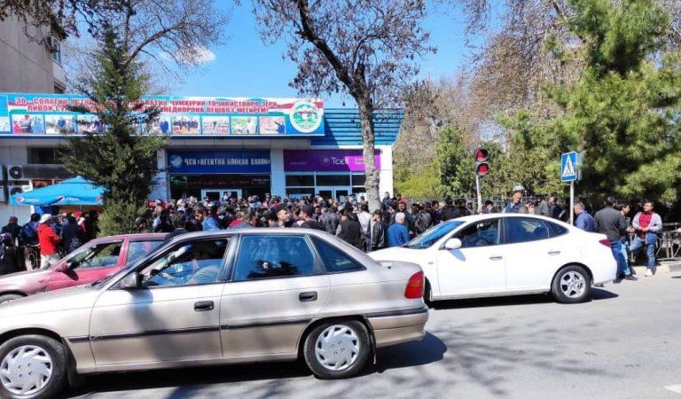 На одно место 1000 желающих. Как улететь из Душанбе в Москву?
