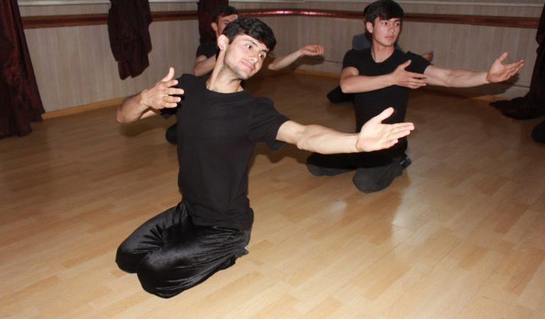 Танец – лицо нации. Почему в Таджикистане не ставят мужские танцы?