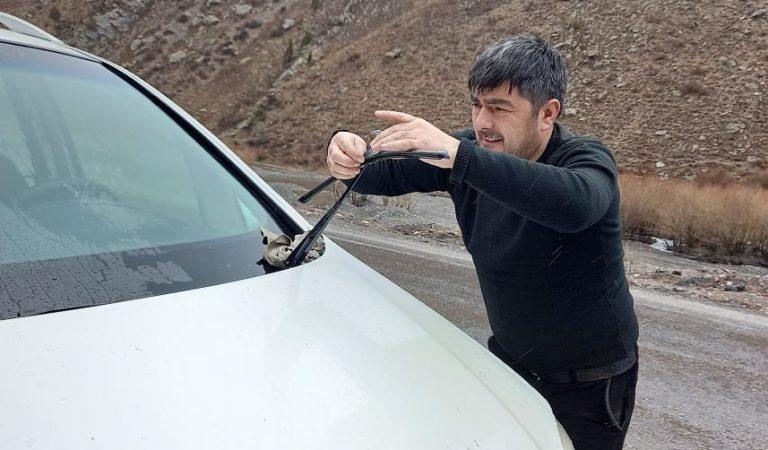 Таксисти шоҳроҳи Душанбе-Хуҷанд: Ҳар сафар шояд бароямон охирон бошад