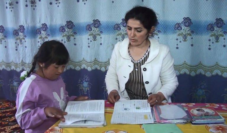 Солнечная Лола. Девочка с синдромом Дауна развеяла мифы и стала успешной в школе