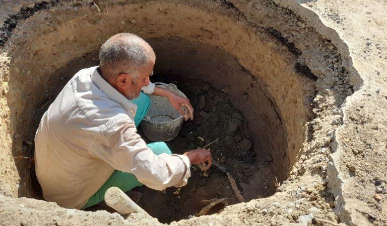Саидмурод-чукуркоб. Как 62-летний землекоп из Согда находит в ямах черепа и кувшины