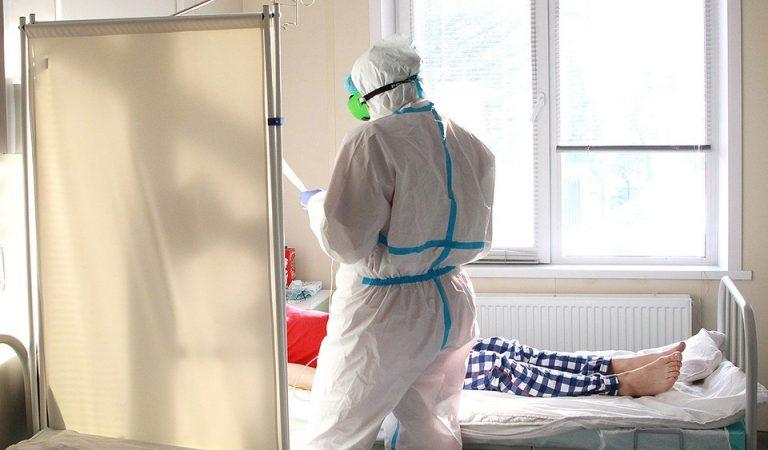 Реаниматолог COVID-госпиталя: Каждый сотый заболевший умрет, как бы врачи ни старались
