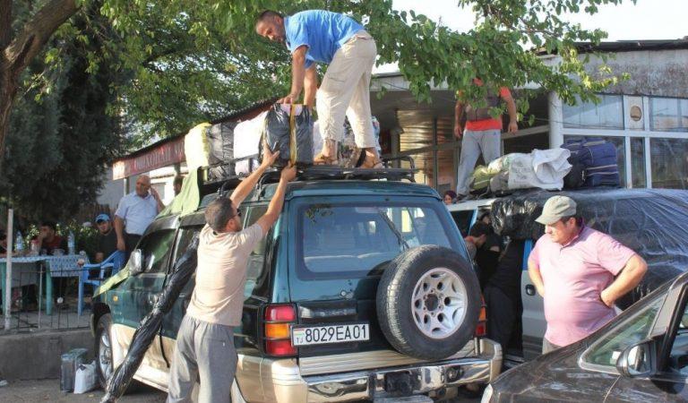 «На дорогах спокойно». Такси, выезжающие на Памир, работают в прежнем режиме. Но стоимость проезда выросла