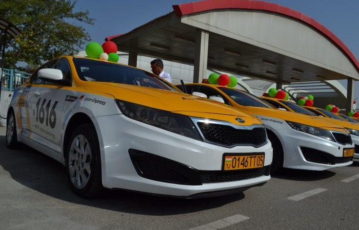 Акнун 15 сомонӣ. Дар Душанбе расман арзиши хизматрасонии таксиҳо гарон шуд. Мухтасари хабарҳои рӯз