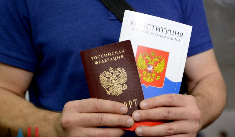 Граждане Таджикистана лидируют в получении российского гражданства среди стран Центральной Азии. За пять лет россиянами стали 204 тысячи таджикистанцев