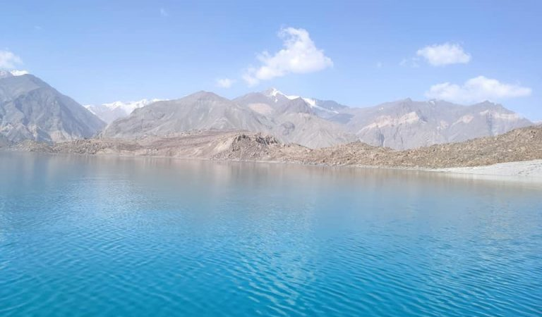 Путешествие на озеро Сарез. Как подготовиться к походу в одно из самых красивых мест в Таджикистане