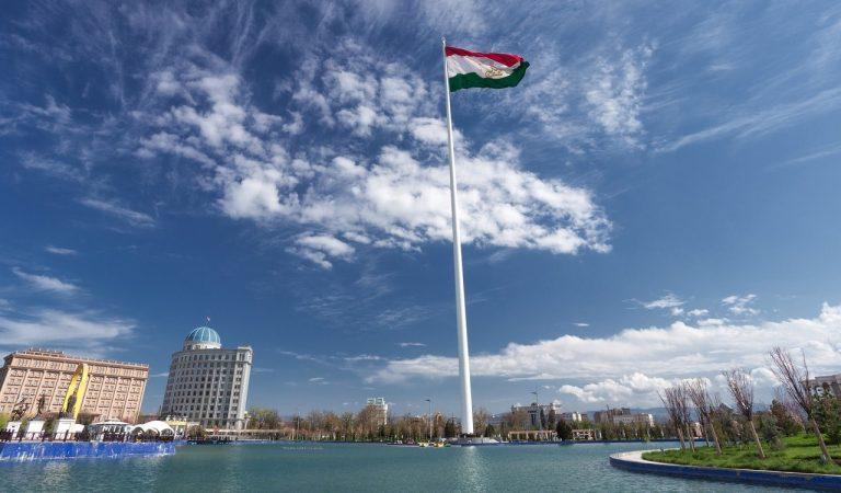 Символ государственности. Таджикскому флагштоку исполнилось 10 лет